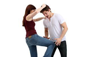 Comment se protéger quand on est une femme - Frapper